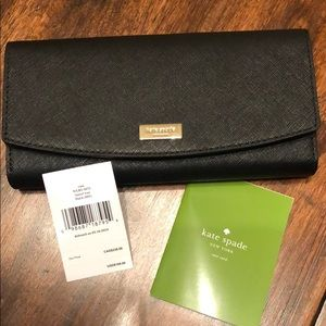 Kate Spade wallet, never been used!!